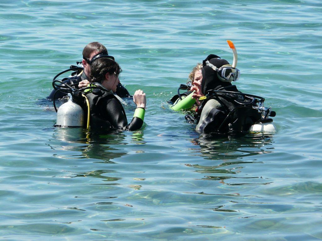 sea, divers, diving